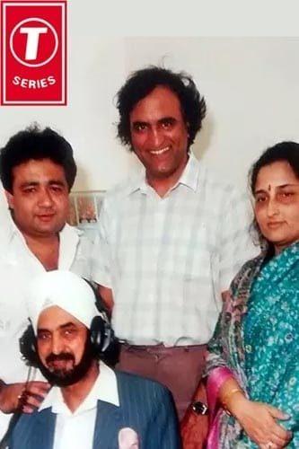 Rahi Bains, Anuradha Podwal and (Late) Gulshan Kumar with Broadcaster Pritam Chaggar